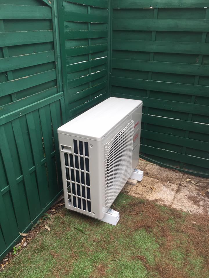 Installation-climatisation-bi-splits-port-camargue-conterio-1